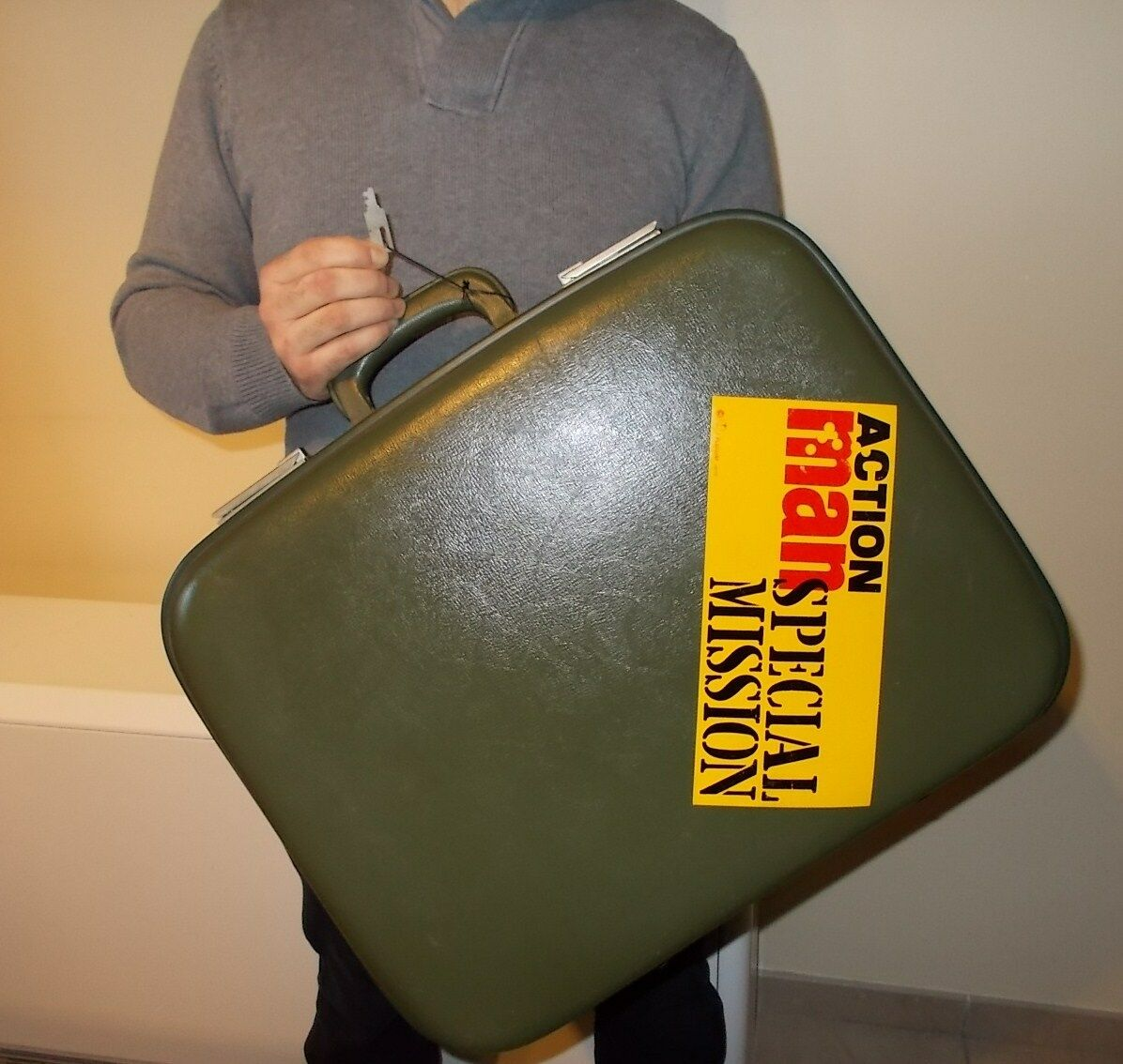 VINTAGE PALITOY 1975 Belgium ACTION MAN SPECIAL MISSION suitcase valise WITH KEY