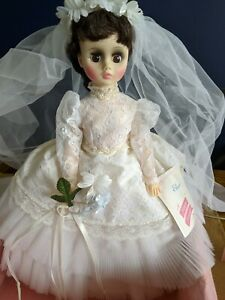 Vintage-Madame-Alexander-ELISE-Bride-Doll-Gown-Garter-Veil-17-034-1685-original