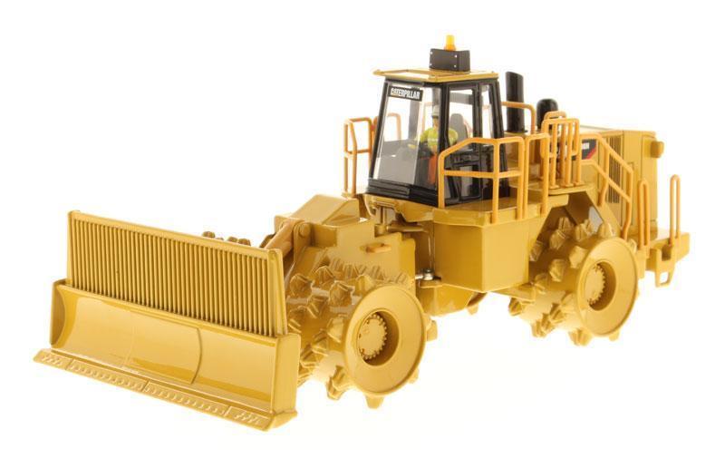 Diecast Diecast Diecast masters 85205 1 50 Cat 836H Landfill Compactor 2edb9b