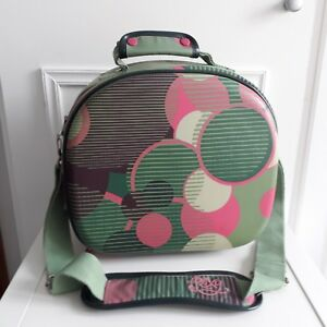 By Photo Congress || Make Up Hand Luggage Bag