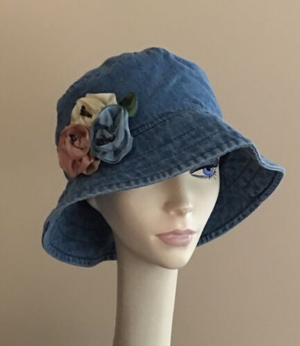 NWoT 100/% Cotton Denim Hat with Flexable Brim PACKABLE w Ribbon Flower Pin