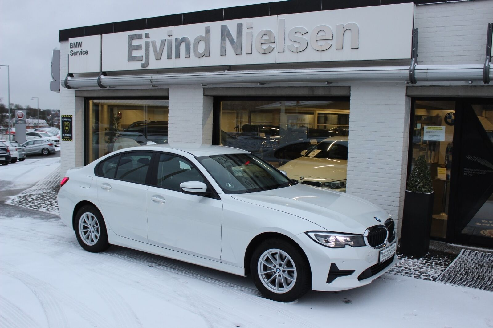 BMW 320i 2,0 Connected aut. 4d - 409.900 kr.