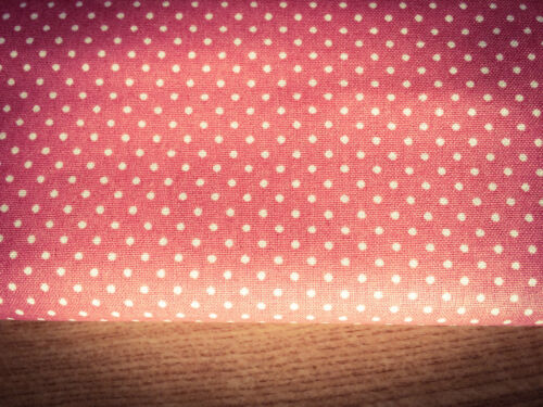 Shabby Chic Salmon Pink Spots 100/% Cotton Fabric Price per 1//2 metre