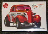 Amt 1937 Chevrolet Coupe Stovebolt 3 In 1 Drag, Custom, Stock Model Kit 1/25