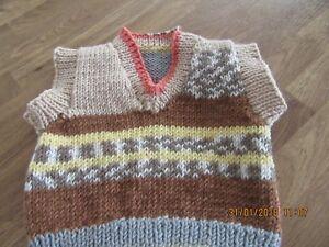 CoopéRative Brand New Hand Knit Baby Sans Manches Pull Poitrine 16 In (environ 40.64 Cm)/41 Cms 0/3 Mois-afficher Le Titre D'origine Finement Traité
