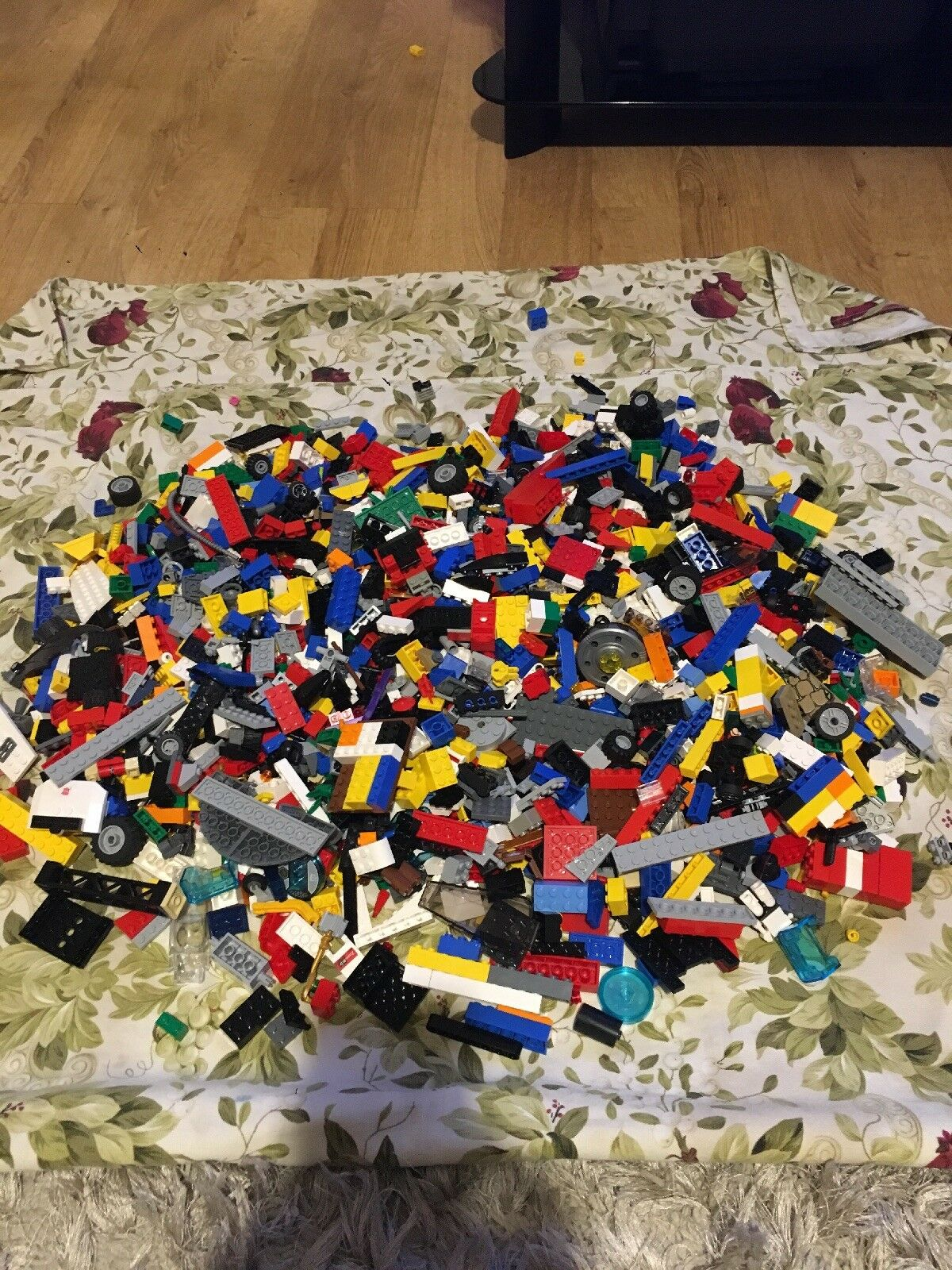 Lego Mixed Pieces – Approx 2.5 Kg Assorted Bundle - Job Lot