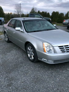 CADILLAC DTS RUNS AND DRIVES LIKE NEW COMES WITH WINTERS