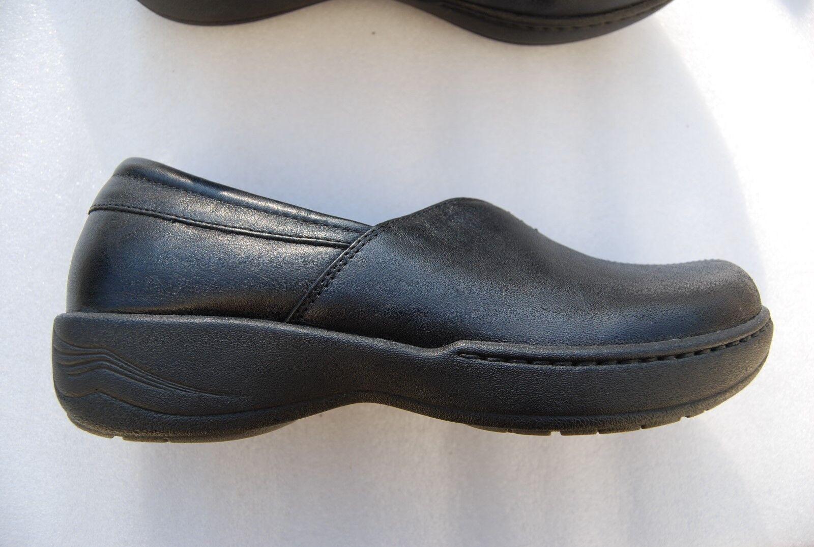 Black Leather DANSKO Low Heeled Slip On Shoes US 7.5 - 8