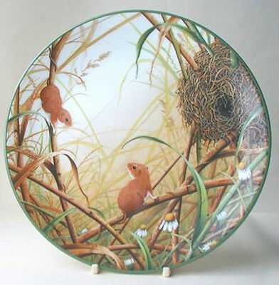 Royal Doulton Plate : PORTRAITS OF NATURE  : Harvest Mice at their Nest : Cert
