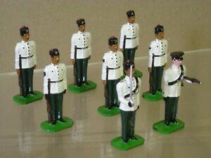 Ducale 10ème Groupe de Défilés de Gurkha Rifles White Jackets At Attention X 8
