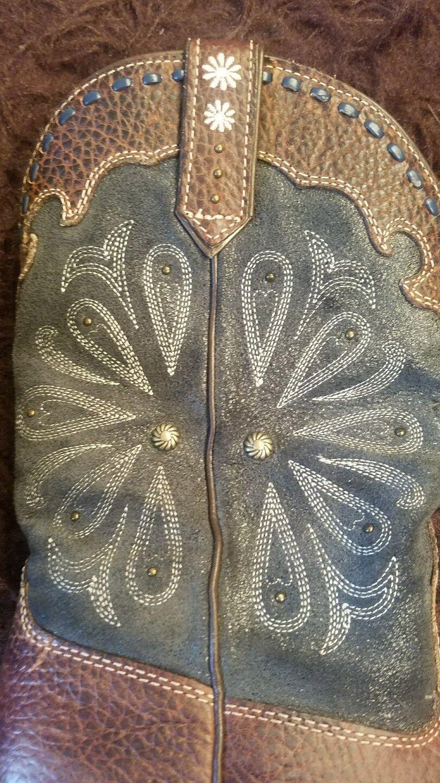 Ariat Damenss cowboy Stiefel with intricate designs designs intricate Leder upper Größe 8.5 B 28d444