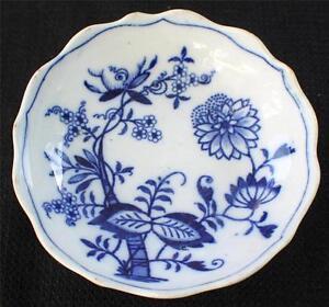 Antique-LS-amp-S-BLUE-MEISSEN-Germany-Porcelain-Blue-ONION-4-034-d-Nut-Candy-Bowl