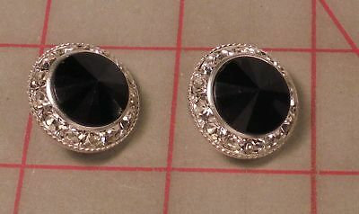 """2 Silver Metal Rhinestone Shank Buttons With Kelly Green Acrylic Jewel 3//4/"""" 21mm"""
