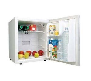 Mini frigo bar frigorifero da tavolo portatile piccolo bianco da ufficio camera ebay - Frigo da tavolo ...