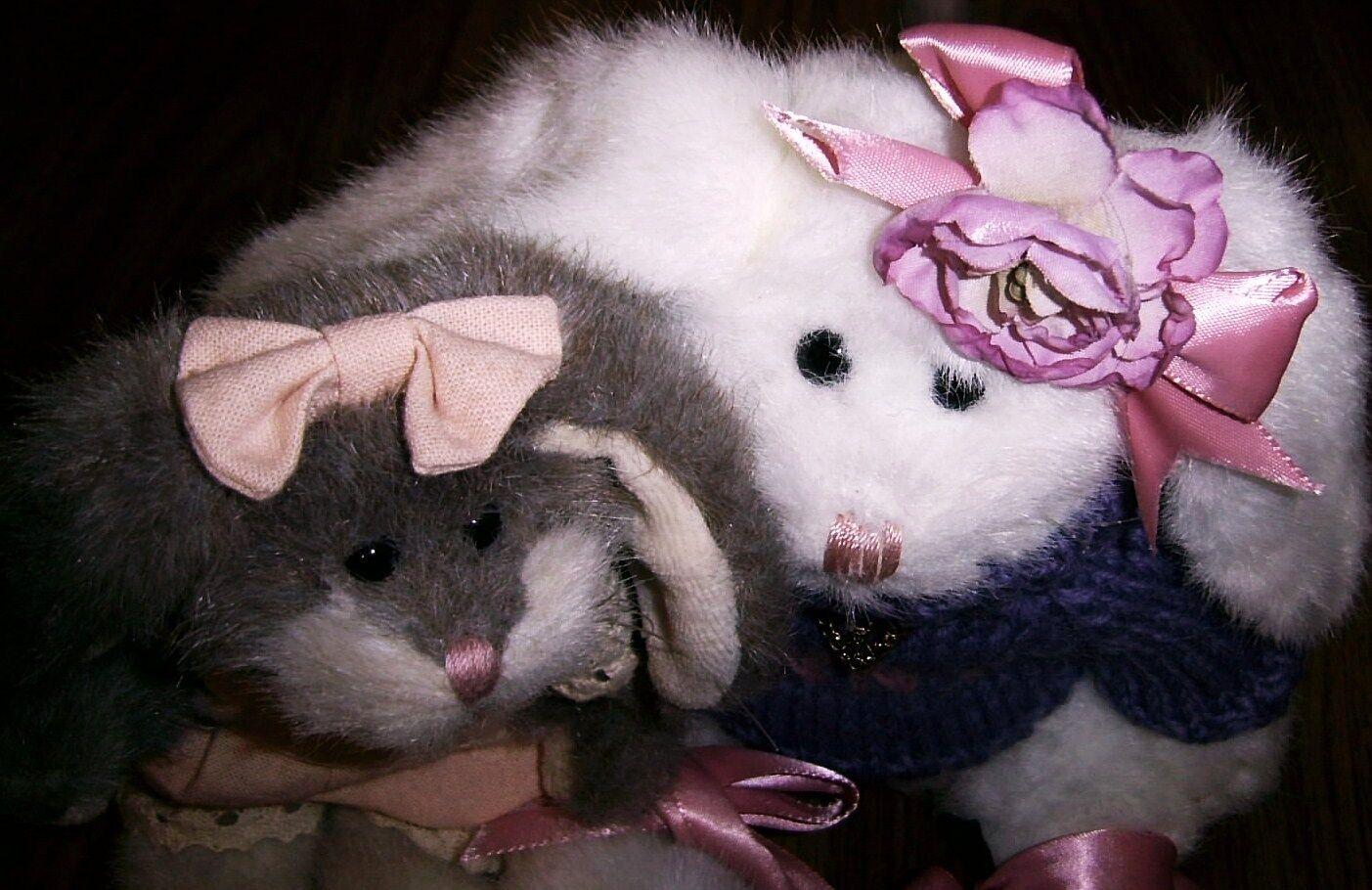2 JB Bean BOYDS INVESTMENT COLLECTIBLES Bunny Love & Mipsie Blumenshine RetiROT