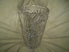 GORGIOUS BEAUTIFULLY ARTISTICLLY DESIGNED SOLID CHRYSTAL VASE, 100% CONDITION.