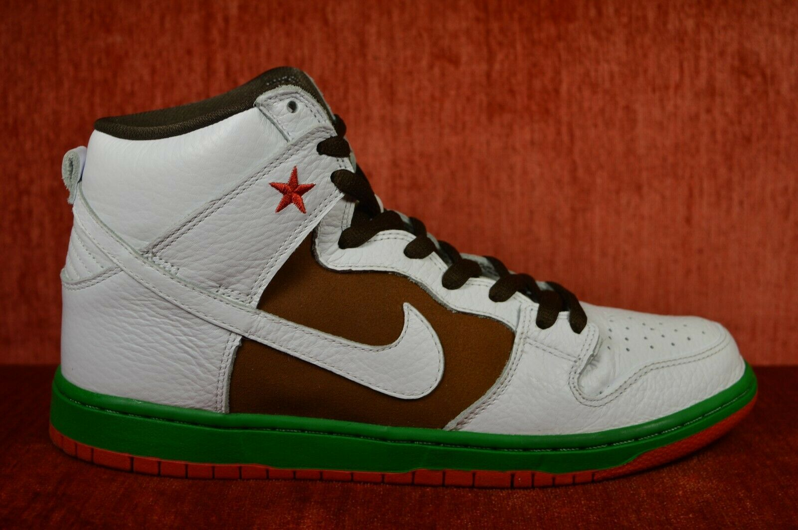 WORN ONCE Nike Dunk High Premium SB Cali Size 10.5 313171-201 White Green Red