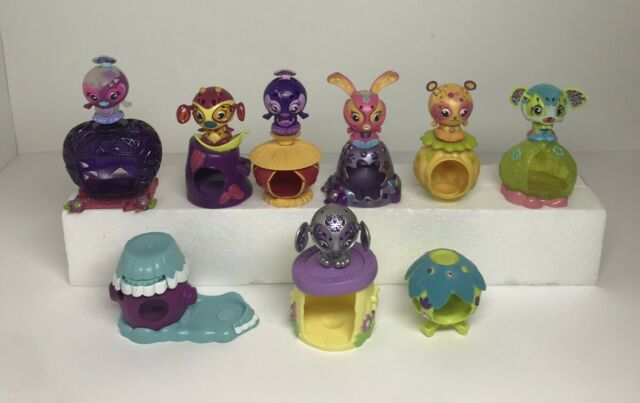 Zoobles Magentic Spring To Life Pop Out Toys Figures + Habitats SML Lot of 16