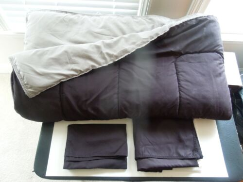 2 DOCKERS BLACK AND GRAY REVERSIBLE COMFORTER SETS TWIN SIZE