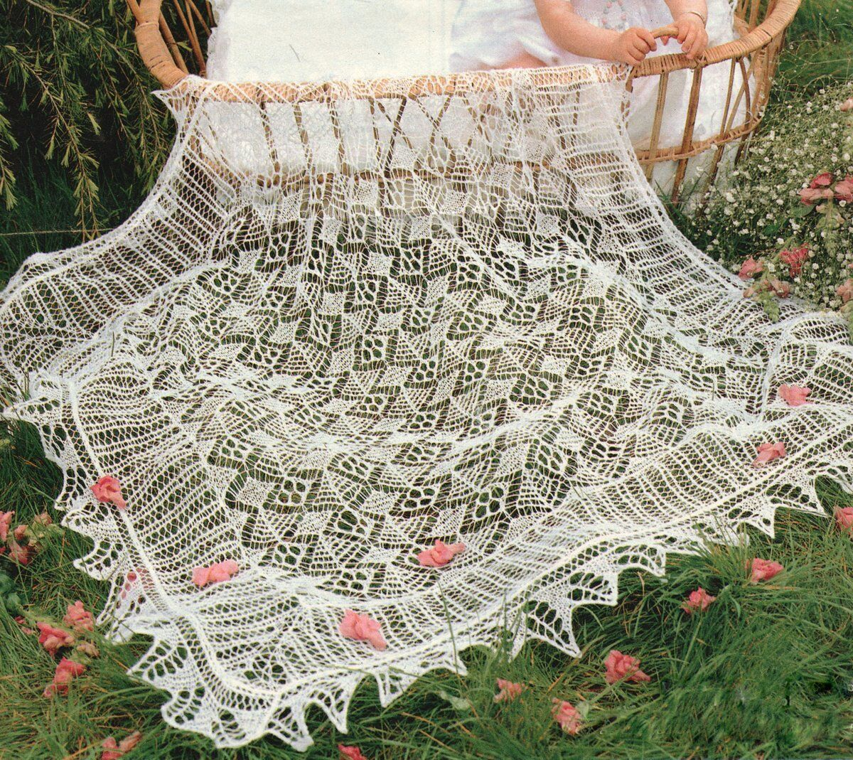 Delicate Lacy Trad Shetland Christening Baby Shawl 2 Ply Knitting