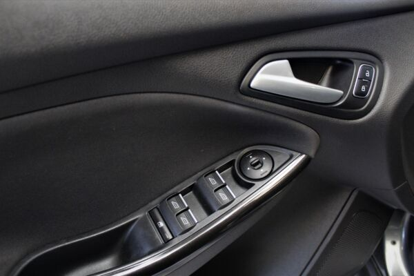 Ford Focus 1,0 SCTi 100 Titanium stc. billede 15