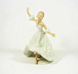 WALLENDORF-GLAMOUR-LADY-DANCING-7-034-HANDPAINTED-PORCELAIN-FIGURINE