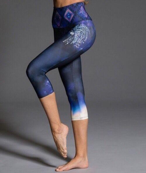 Onzie Hot Yoga Graphic High Rise Capri 287 Great Spirit Runs Small