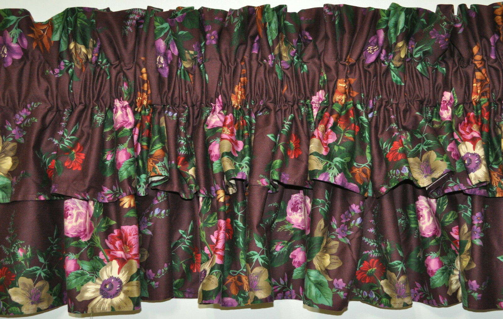 Two Tierot Tierot Tierot Valance made w Ralph Lauren Brittany Floral lila Plum Fabric 100x18 f0dcea