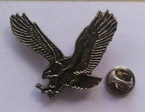 BIRD PIN BADGE NON RSPB #5