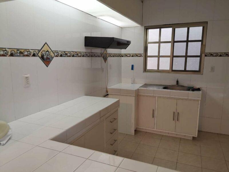 Se Renta Casa en Cancun Palma Real Con Reja de Seguridad Av La Luna Esquina Av Nichupte