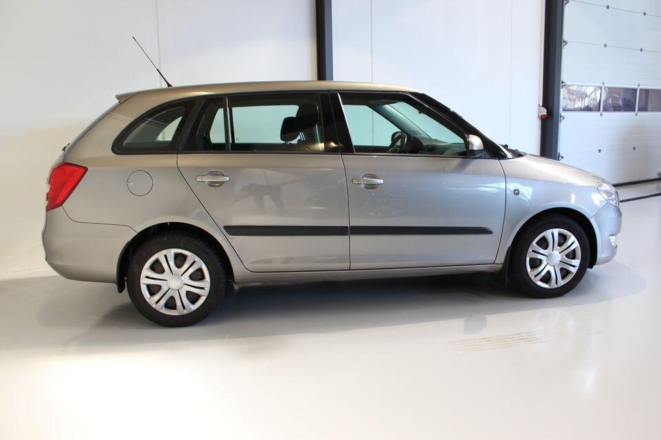 Skoda Fabia 1,2 TSi 105 Sport Combi Benzin modelår 2011 km