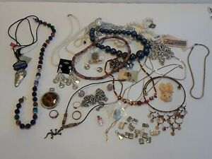 Lot-of-Vintage-to-Modern-Costume-Jewelry-Necklace-Beaded-Earrings-Pins-Charm