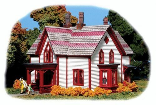 Monroe Models   2205 Ellie's House - Kit Laser Cut HO Scale
