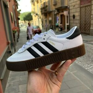 adidas bianca and brown sole