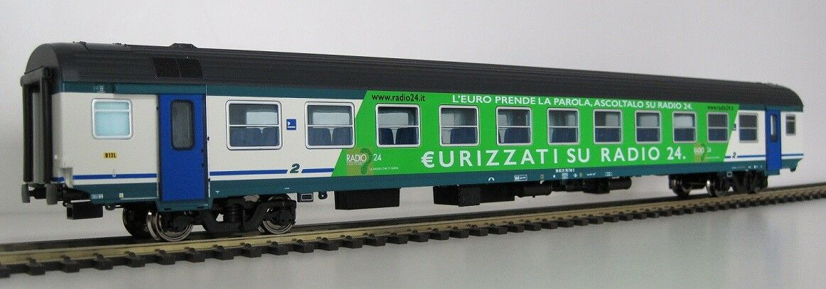 AG30 3190 - VITRAINS in ESCLUSIVA AGOMODEL CARROZZA MDVE RADIO24, LTD