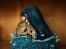 snowglobe rare sur le marché DISNEY PINOCCHIO WHALE/BALEINE avec soufflerie