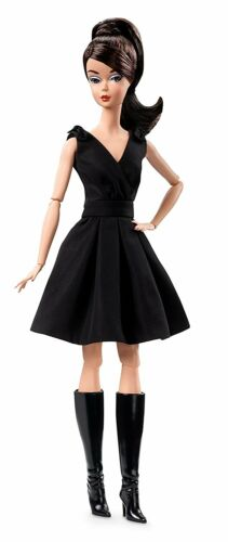 BARBIE® FASHION MODEL COLLECTION CLASSIC BLACK DRESS DOLL GOLD LABEL DWF53 NUOVA