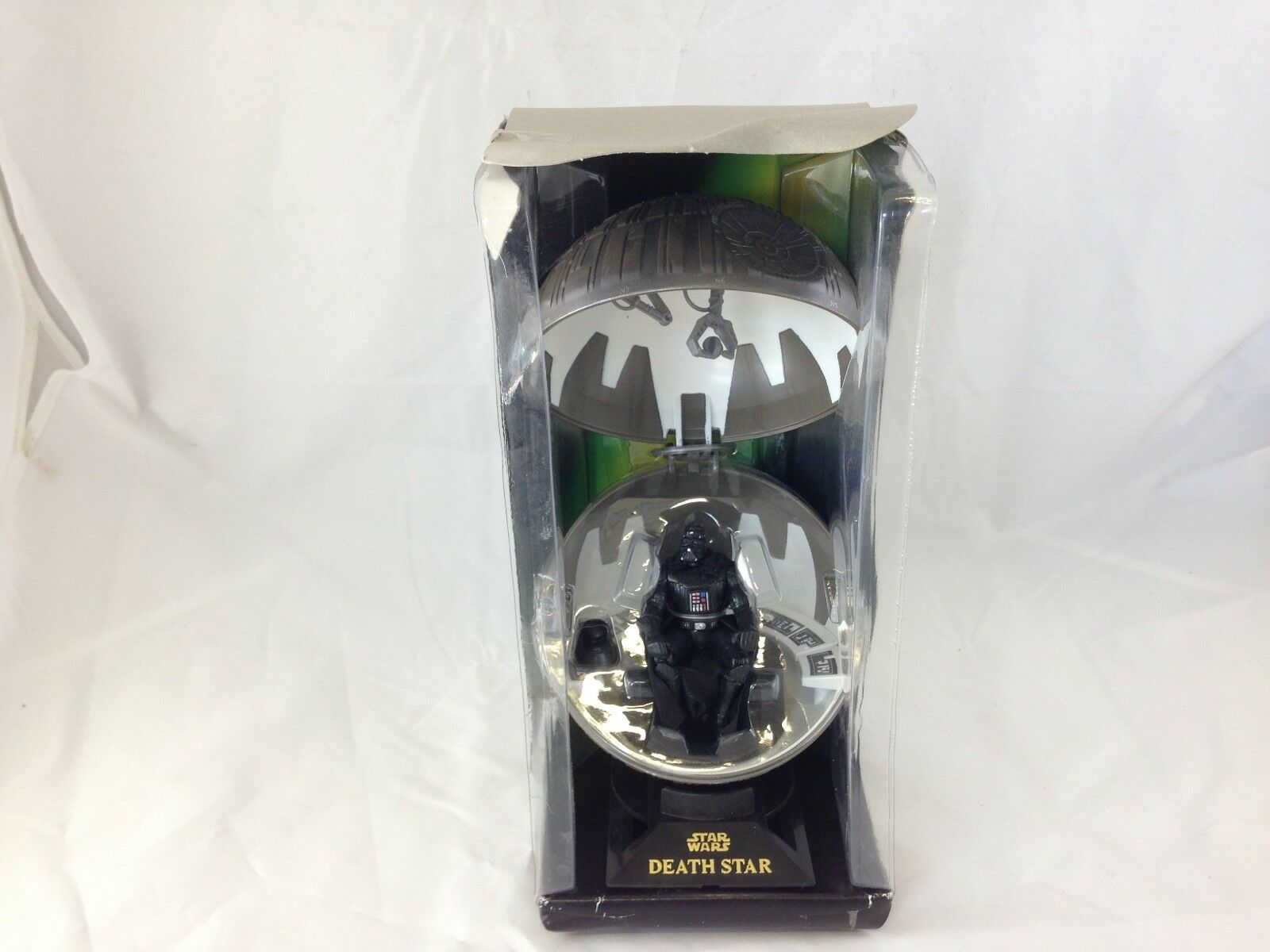 Star Wars Death Star With Darth Vader meditation Chamber Action Figure Near Mint