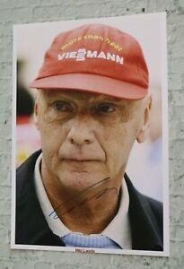 ORIGINAL-Autogramm-von-Niki-Lauda-pers-gesammelt-20x30-cm-Foto-100-ECHT