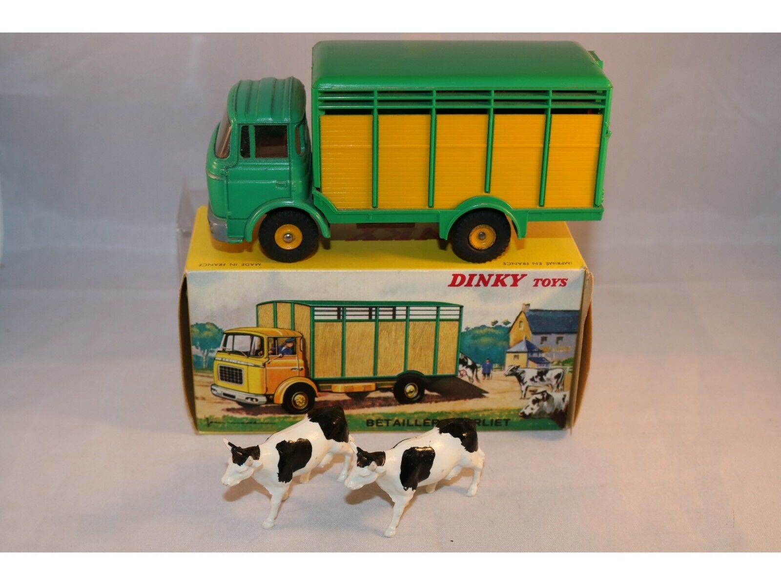 Dinky Toys 577 Berliet Besizere very near mint in box with dealer tag Superb