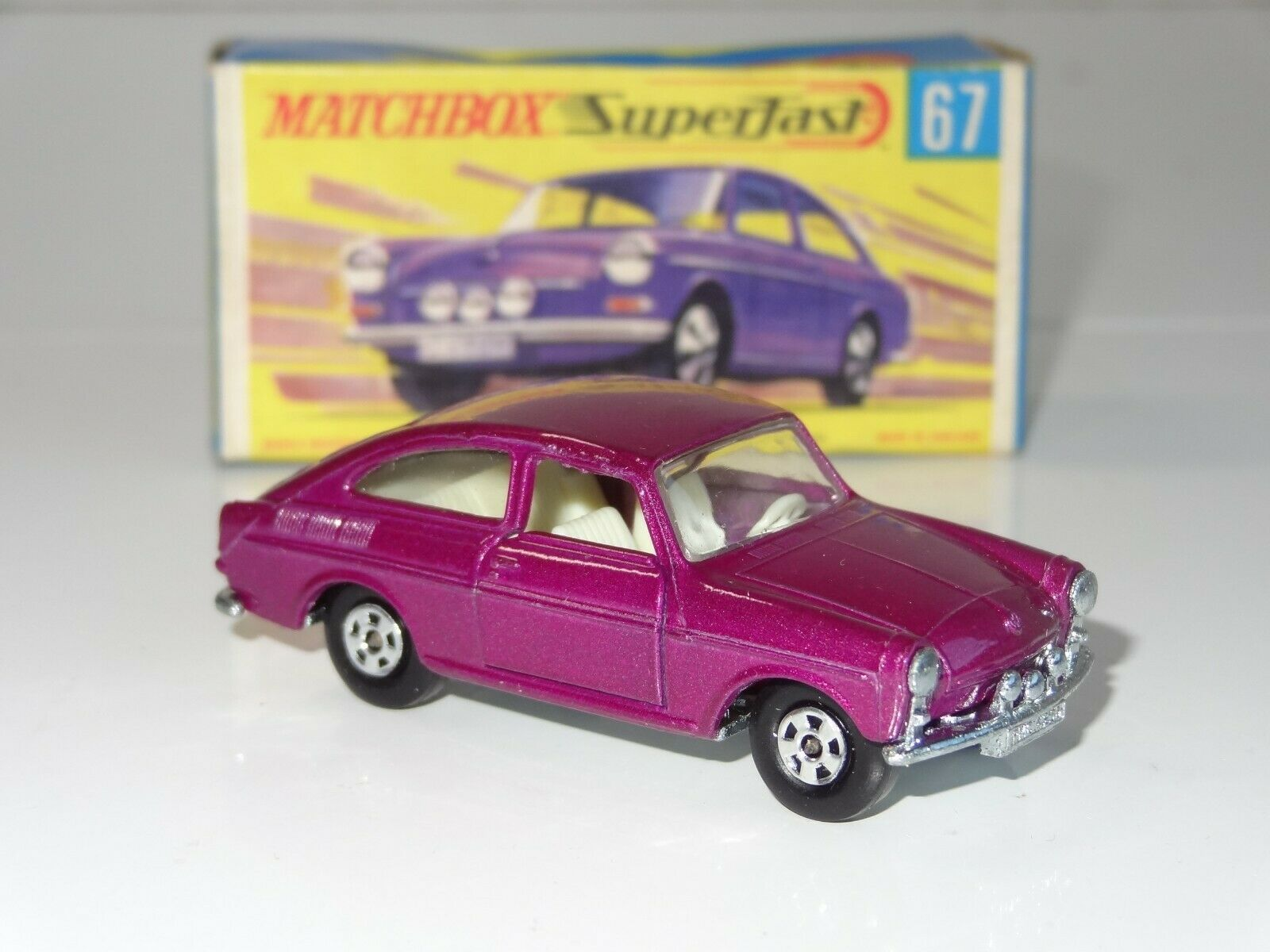 (B) MATCHBOX LESNEY SUPERFAST vw volkswagen 1600TL  - 67  distribution globale