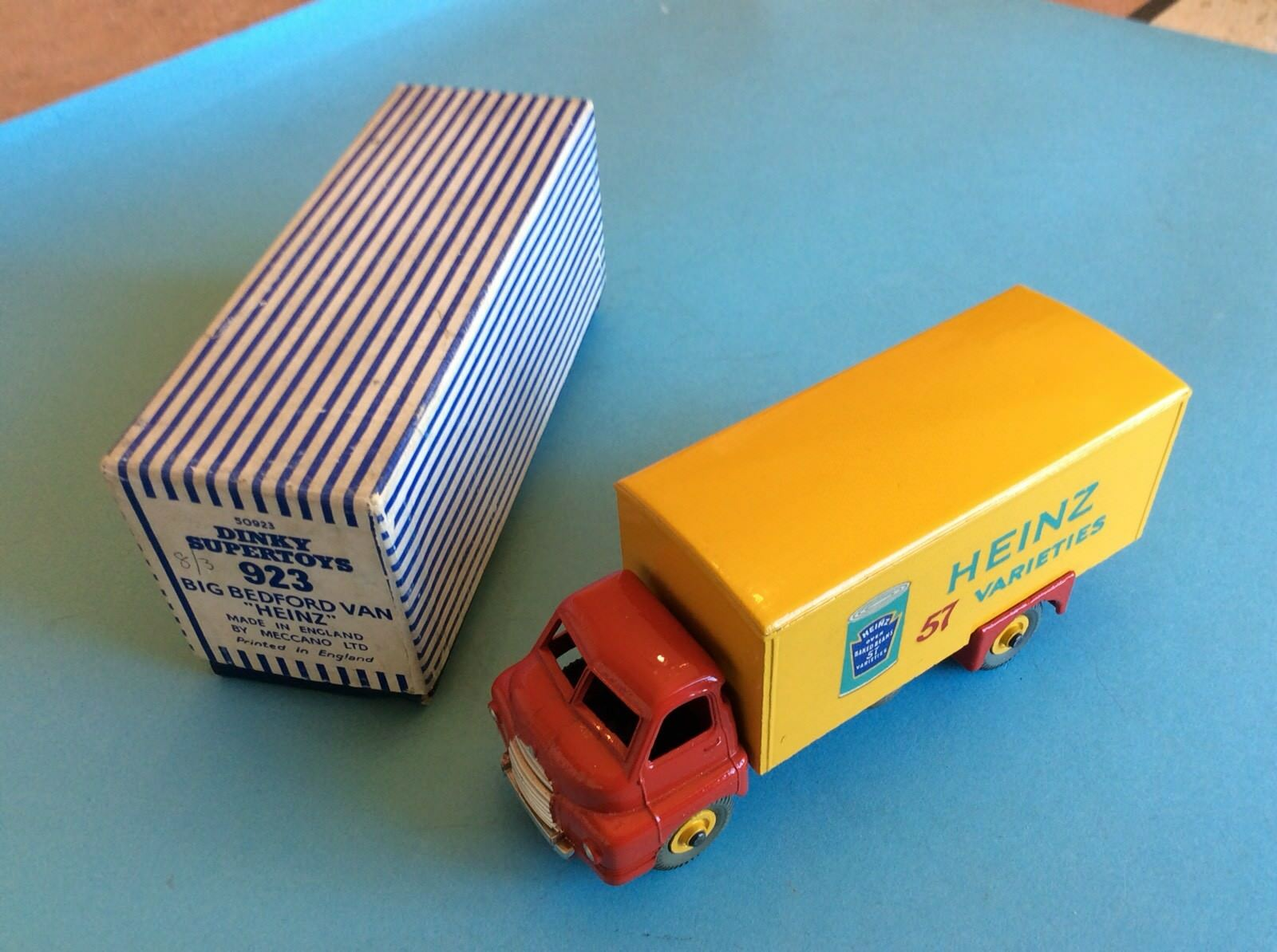 DINKY 923 BIG BEDFORD VAN HEINZ BEANS , NEAR MINT , BOXED ,
