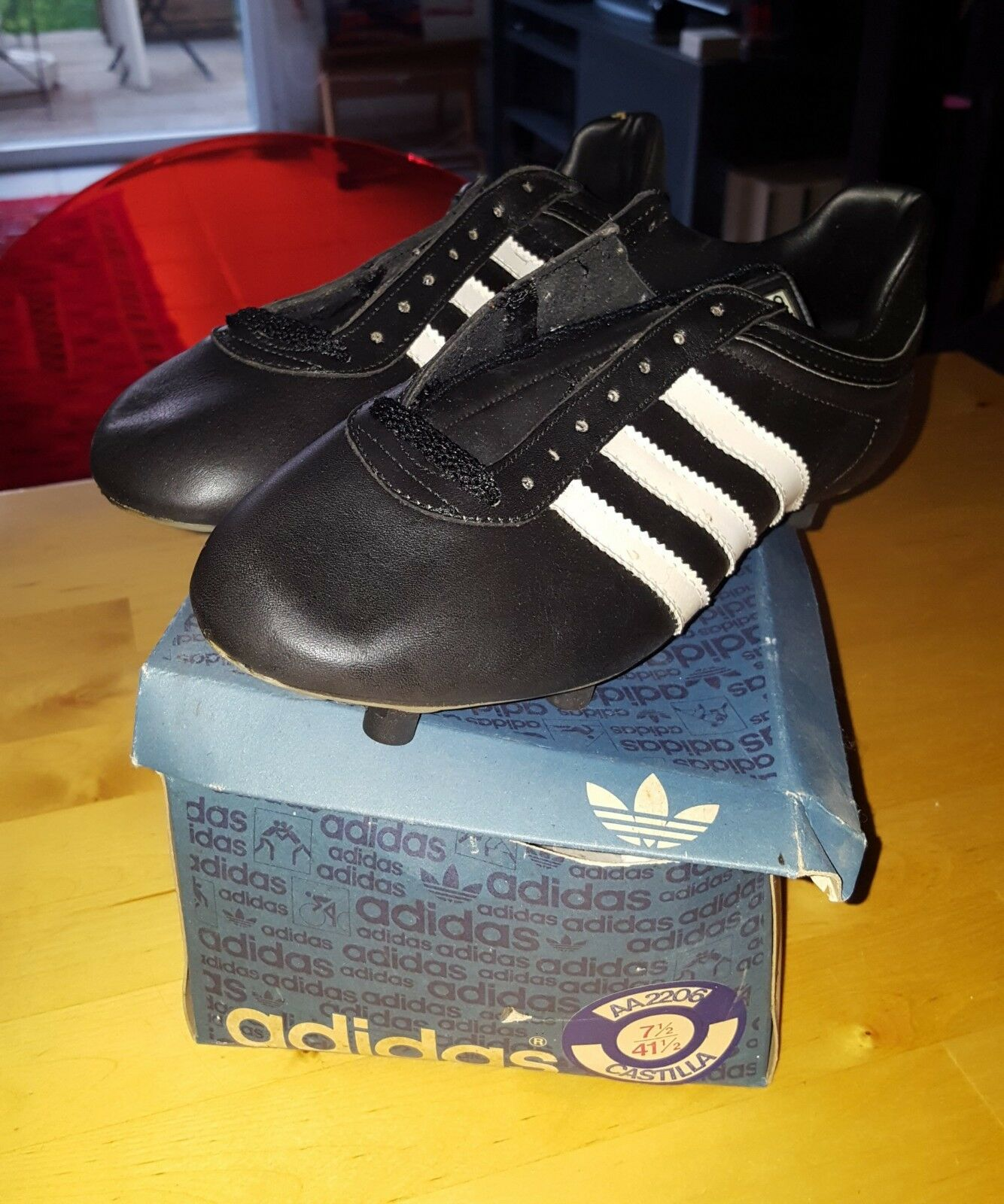 VINTAGE ADIDAS CASTILLA FOOTBALL Stiefel NEW, MADE IN FRANCE UK7,5 41 1 2