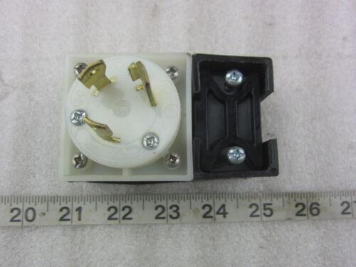 Hubbell HBL 2621 30A 250V Twist-Lock Angle Plug L6-30P Used