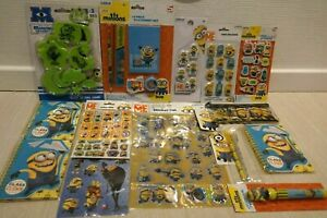Lot neuf MINION DESPICABLE ME carnets stickers gomme crayon Moi Moche et Méchant