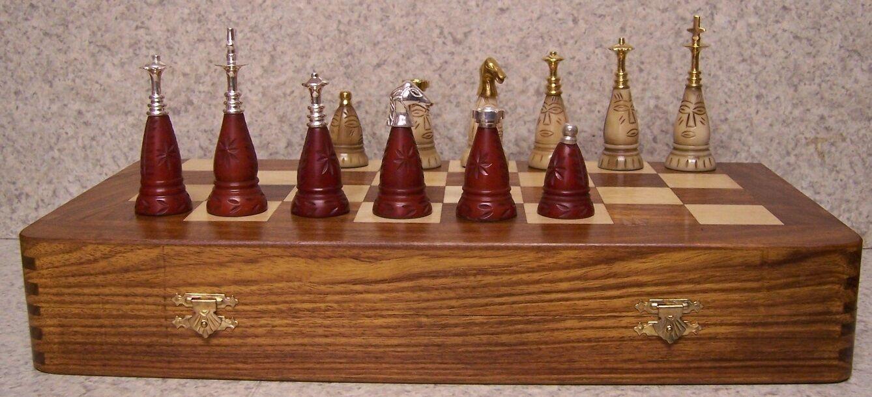 Chess Set avec  Pliant Bois Board Boîte de rangeHommest en bois & metal pieces 3 3 4  Kings NEUF  première réponse