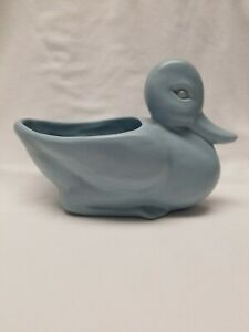 Vintage-Haeger-Baby-Blue-speckled-Duck-Planter-8x5-5-034-Art-Pottery