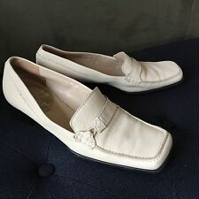 VIA SPIGA Cream Loafers Made in ITALY, Women's  Size: 6M