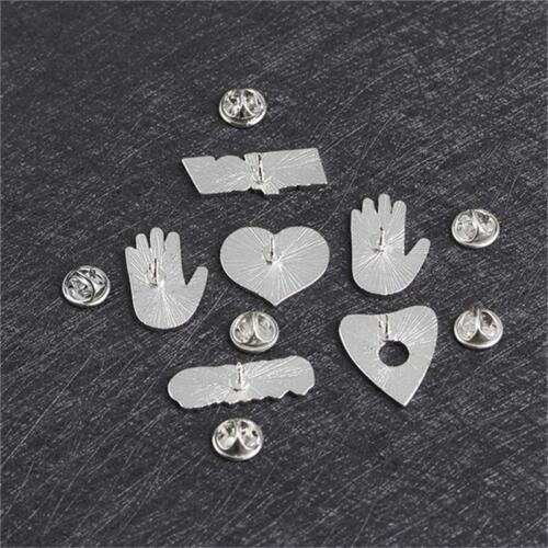 1PC Enamel Pin Buckle CURSED WITCH Palm Hand OUIJA Heart Brooch Jacket Collar Q
