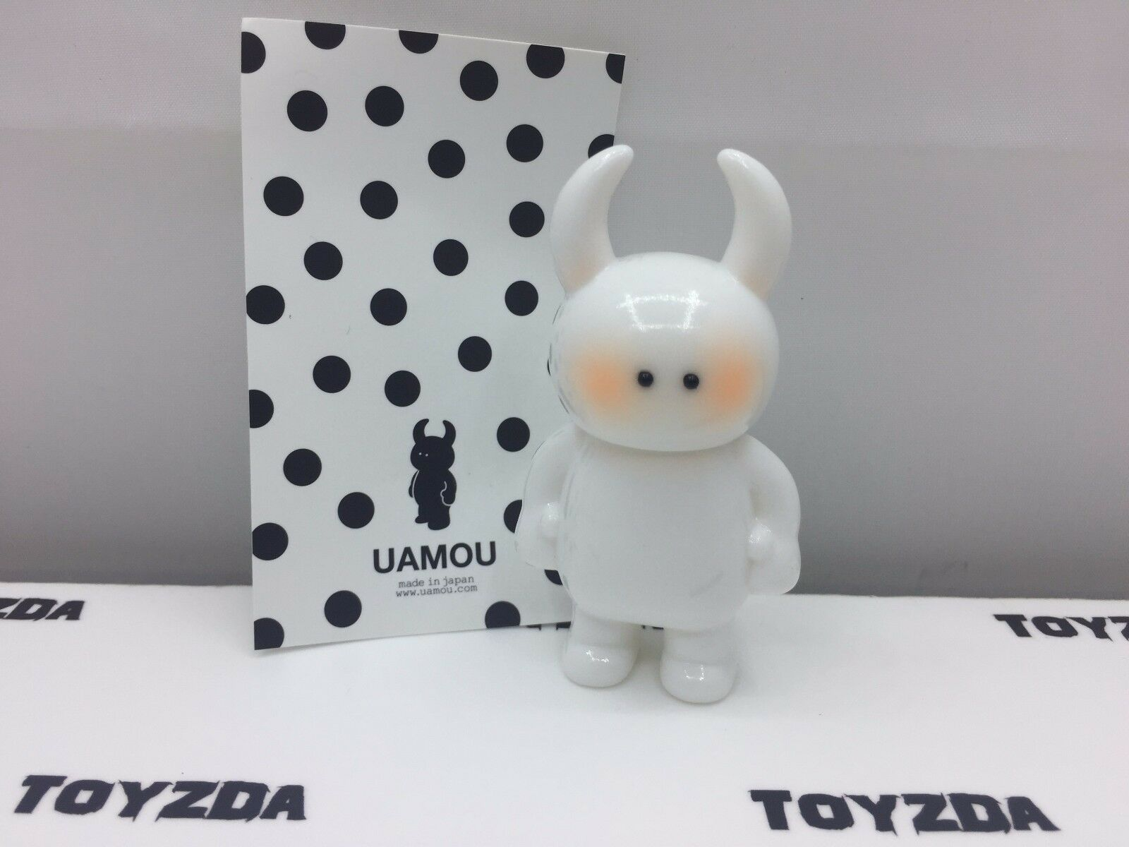[Made In Japan] CLASSIC UAMOU White Shy Colur Soft Vinyl Figure 1 pc